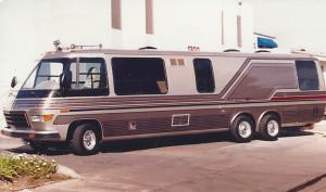 silver motor coach photo